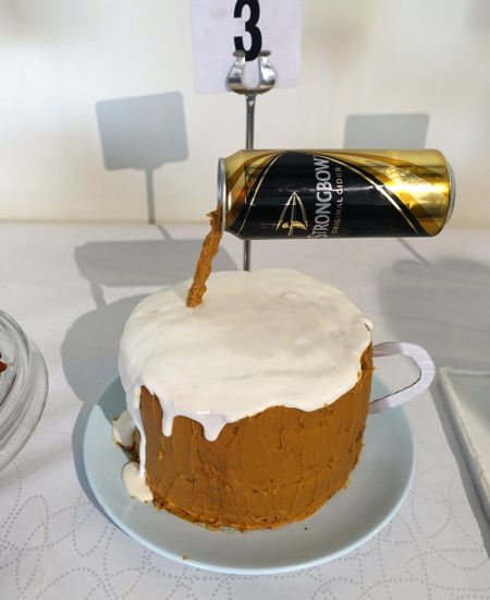 beer pouring cake
